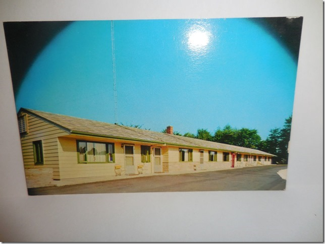 Riverview Motel postcard1